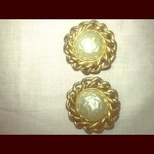 Vintage Sarah Coventry clipon earrings faux pearl